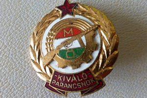 Kiváló Parancsnok kitüntetés érem