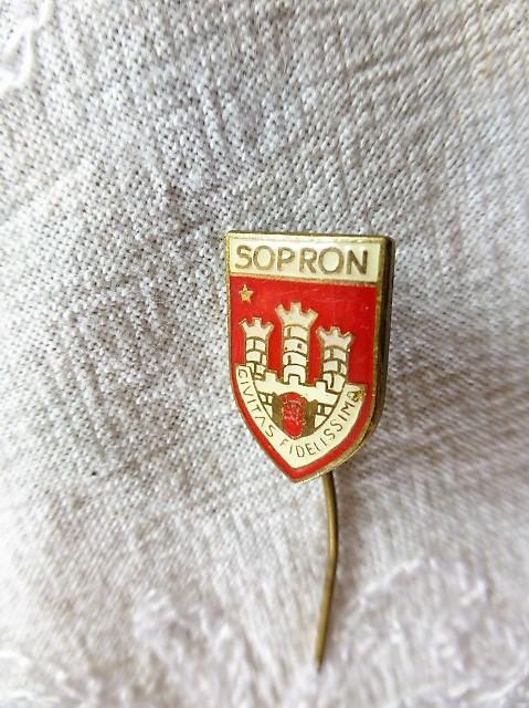 Sopron Civitas Fidelissima jelvény kitűző