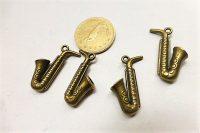 Szaxofon hangszer medál bronz szín